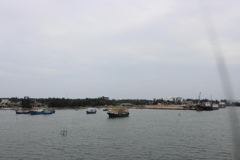 Máy móc, thiết bị nhập khẩu qua cảng Cửa Việt. Ảnh: Q.H
