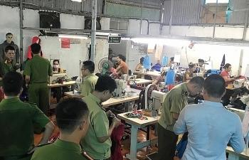 Chuyển hồ sơ vụ sản xuất hàng nhái thương hiệu The North Face cho cơ quan Công an