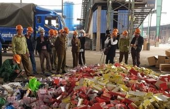 Tiêu hủy tang vật63 tấn xì gà, rượu, thực phẩm…