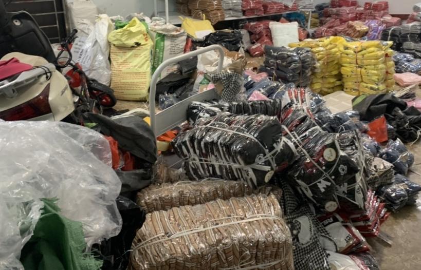 Quảng Ninh: Phát hiện kho chứa gần 8.000 sản phẩm quần áo giả mạo nhãn hiệu