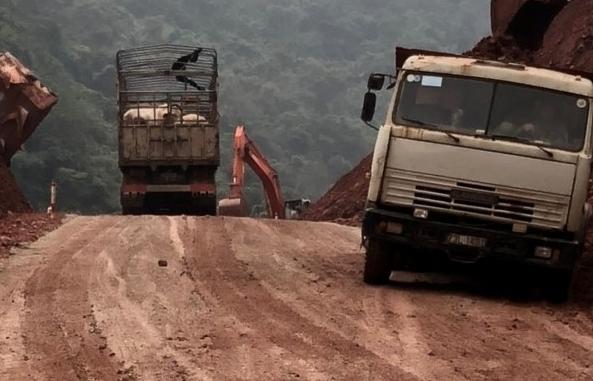 Thông quan trở lại hàng hóa xuất nhập khẩu qua cửa khẩu Cha Lo