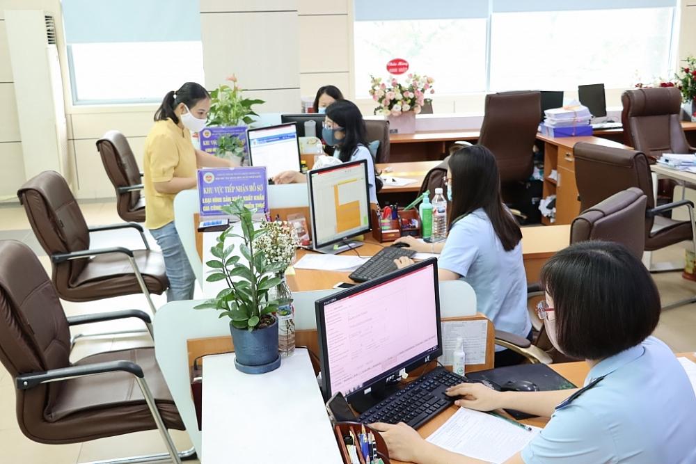 Hoạt động nghiệp vụ tại Chi cục Hải quan cửa khẩu Móng Cái, Cục Hải quan Quảng Ninh. Ảnh: Q.H