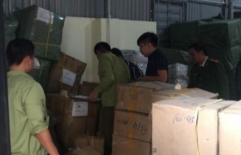 Phát hiện kho chứa thiết bị y tế có nghi vấn nhập lậu