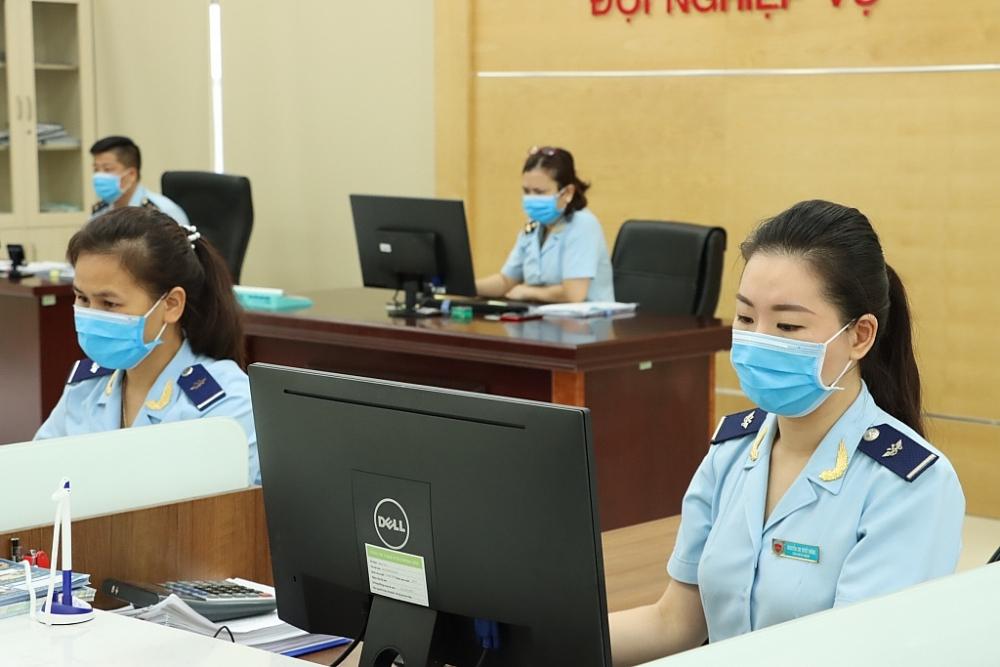 Hoạt động nghiệp vụ tại Chi cục Hải quan cửa khẩu cảng Hòn Gai, đơn vị có số thu cao nhất tại Cục Hải quan Quảng Ninh. Ảnh: Q.H