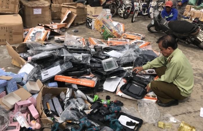 Tiêu hủy hơn 15.000 sản phẩm đồ gia dụng, đồ chơi trẻ em