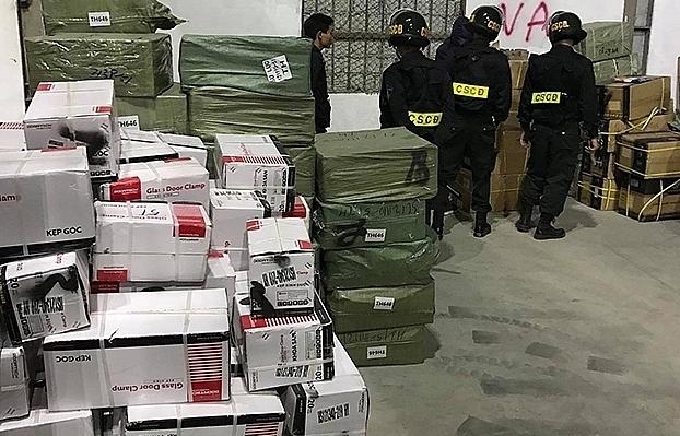 Điều tra vụ buôn lậu xảy ra tại Quảng Ninh: Tạm đình chỉ công tác 6 công chức Hải quan