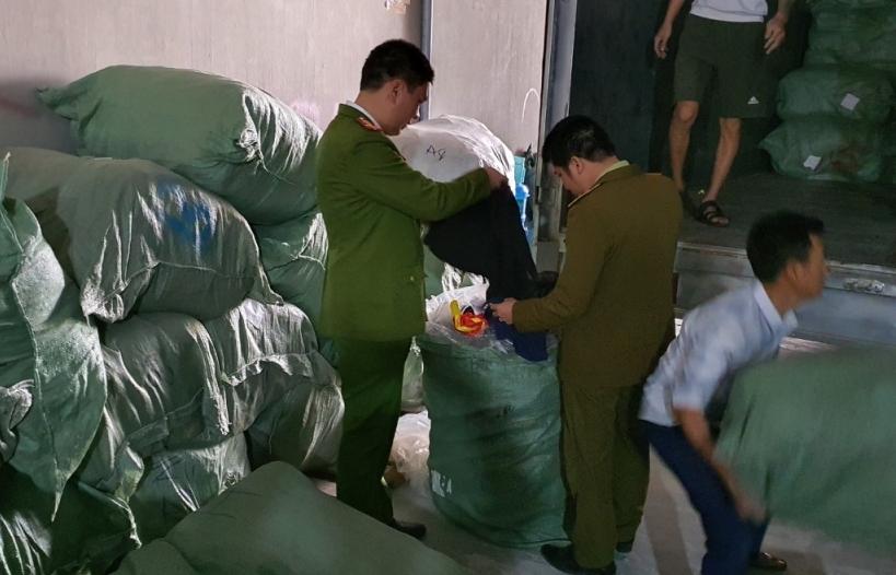 Hải Dương: Thu giữ hơn 5 tấn quần áo đã qua sử dụng