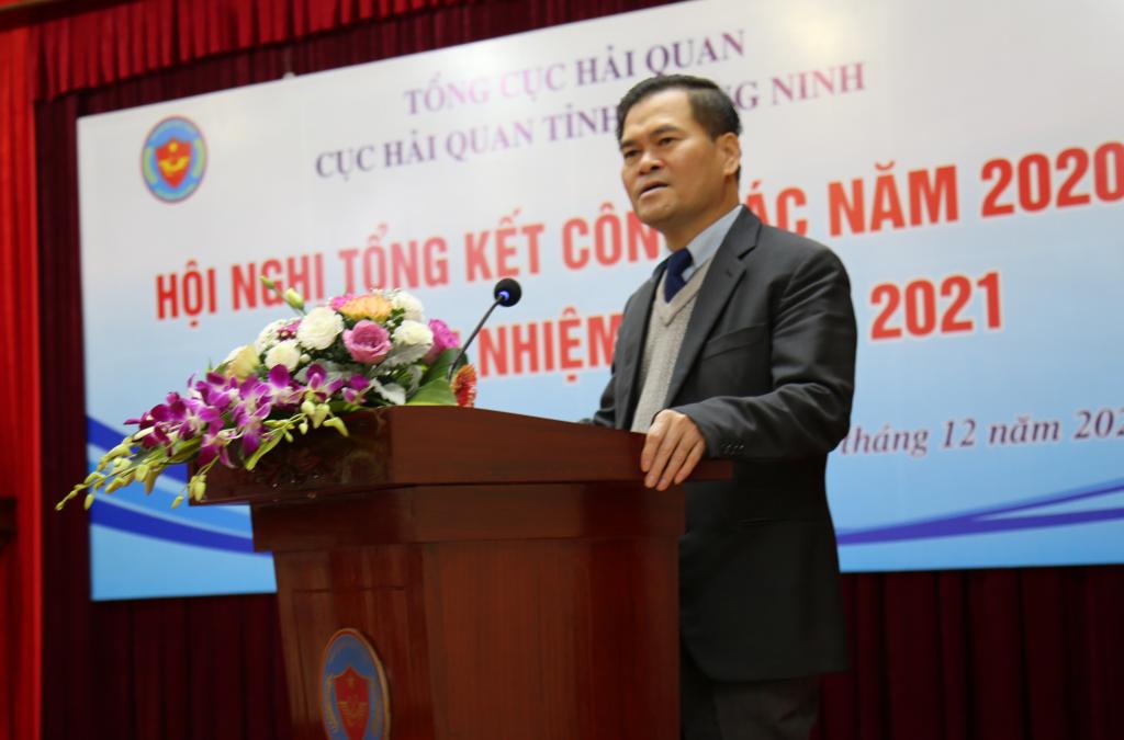 Phó Chủ tịch UBND tỉnh Quảng Ninh Bùi Văn Khắng phát biểu tại hội nghị. Ảnh: Nguyễn Hòa