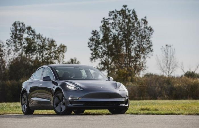 Tesla là thương hiệu xe hơi được ưa chuộng nhất tại Mỹ