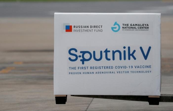 Hungary là quốc gia EU đầu tiên bắt đầu tiêm vaccine Sputnik V của Nga