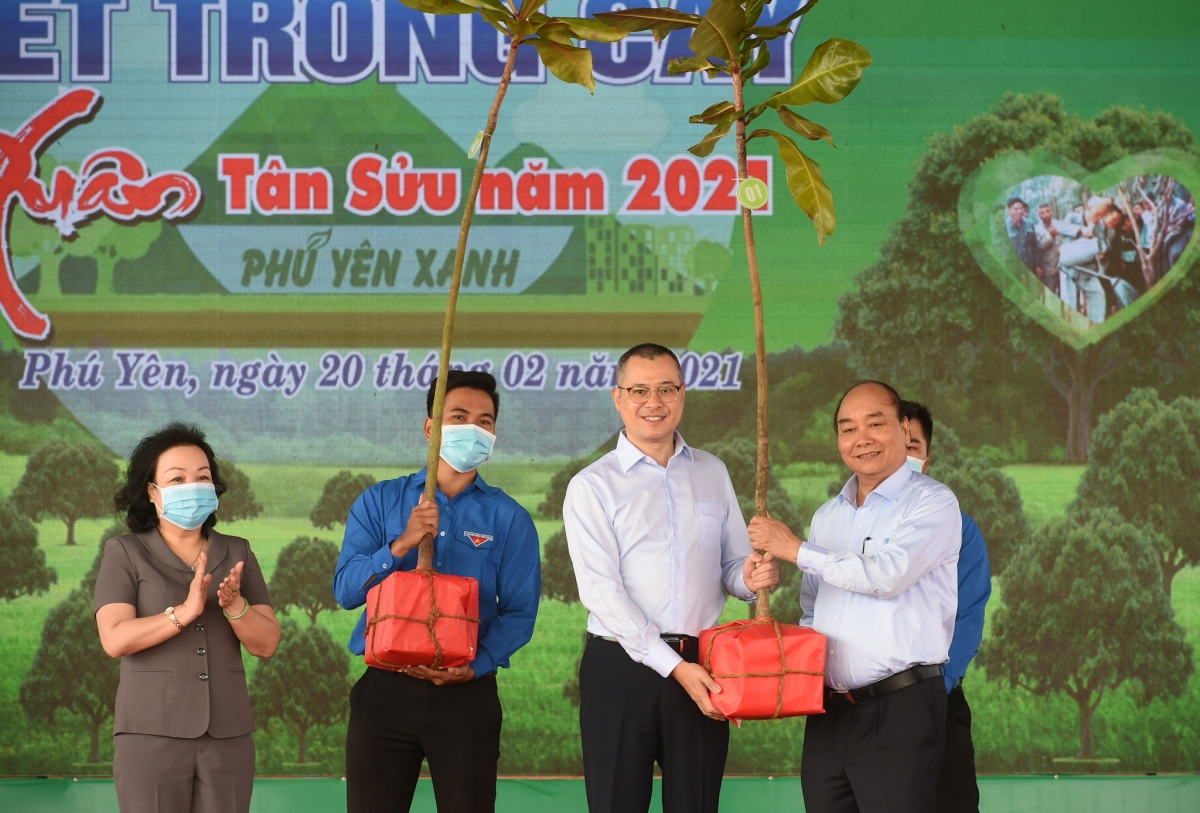 Thủ tướng tặng cây xanh cho tỉnh Phú Yên.