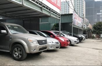 Thị trường ô tô cũ: Xe 'cỏ' bán chaỵ, xe sang ế ẩm