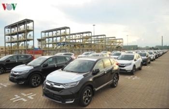 """Thị trường ô tô tháng 2: Doanh số bán xe giảm """"thê thảm"""""""