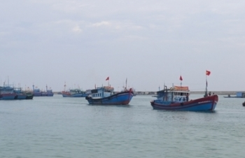 Trao công hàm phản đối tàu Trung Quốc đe dọa tính mạng ngư dân Việt Nam