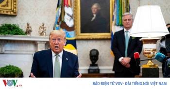 Nhà Trắng: Ông Trump không cần cách ly dù tiếp xúc bệnh nhân Covid-19