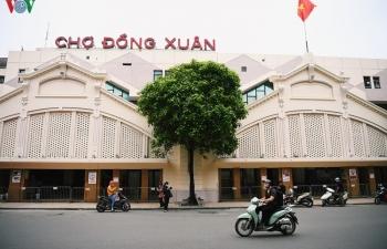 Phố phường Hà Nội tĩnh lặng sau lệnh đóng cửa quán xá của Thủ tướng