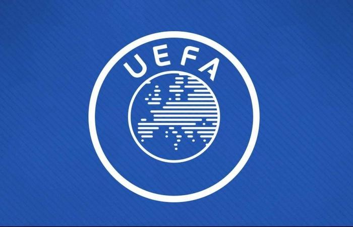 UEFA hoãn mọi hoạt động bóng đá vô thời hạn vì Covid-19