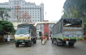 Tồn hơn 1.200 xe hàng tại cửa khẩu, nhiều nhất ở Lạng Sơn