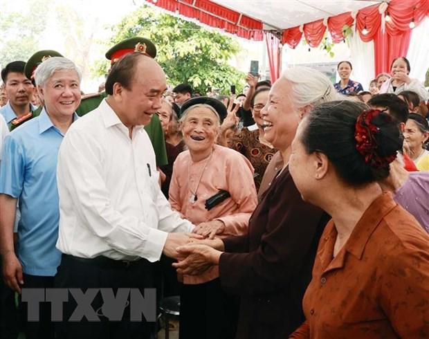 Chu tich nuoc thanh kinh dang huong tai Le Gio To Hung Vuong hinh anh 3