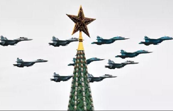 Photos: Hàng loạt máy bay chiến đấu tối tân tại lễ duyệt binh Ngày Chiến thắng