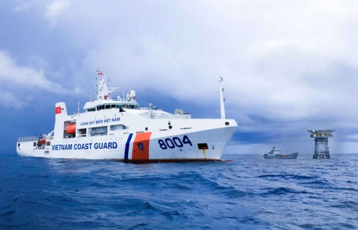 Cảnh sát biển tăng cường tàu tuần tra phòng chống Covid-19