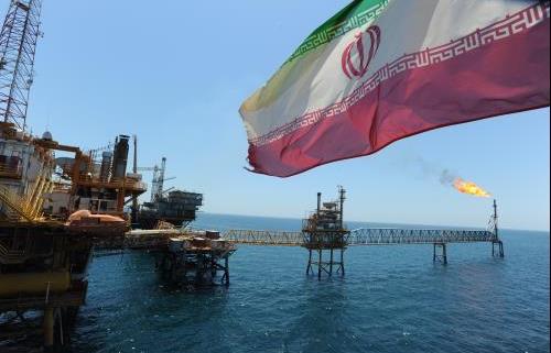 Mỹ sẽ trừng phạt bất kỳ nước nào nhập khẩu dầu của Iran