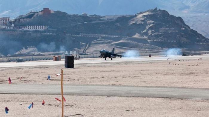 Ấn Độ điều thêm máy bay chiến đấu tới sát biên giới Trung Quốc