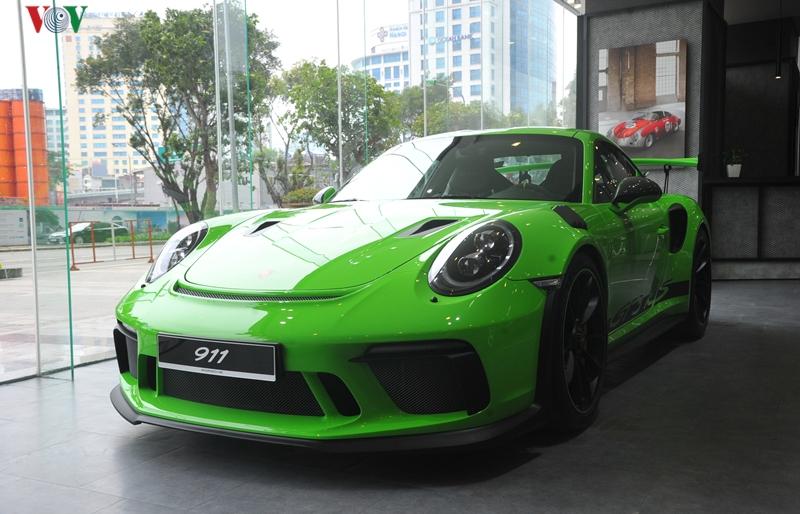 """Khám phá Porsche 911 GT3 RS màu xanh Lizard Green """"độc"""" nhất Việt Nam"""