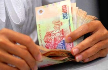 Tăng lương cơ sở từ hôm nay: Ai được tăng cao nhất?