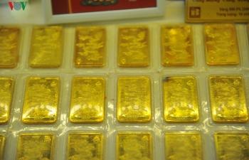 Giá vàng tăng gần 2 triệu đồng/lượng trong tuần qua