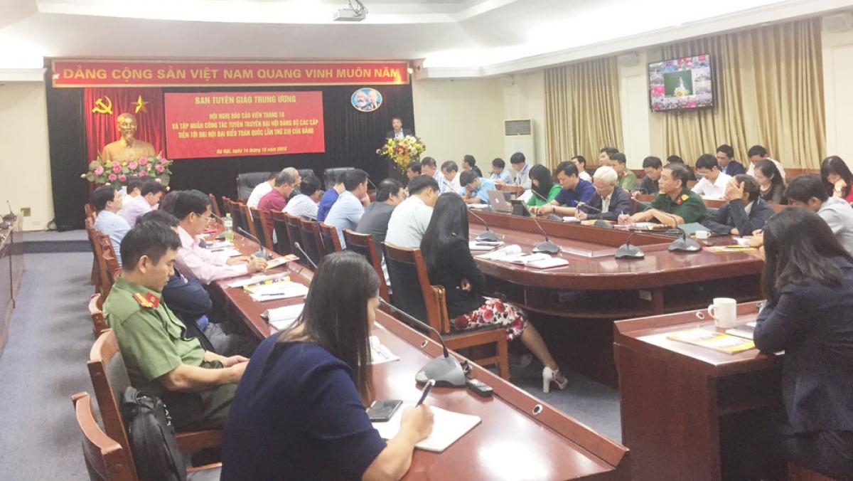 Ban Tuyên giáo Trung ương tổ chức hội nghị báo cáo viên tháng 10 và tập huấn công tác tuyên truyền Đại hội Đảng bộ các cấp tiến tới Đại hội đại biểu toàn quốc lần thứ XIII của Đảng.