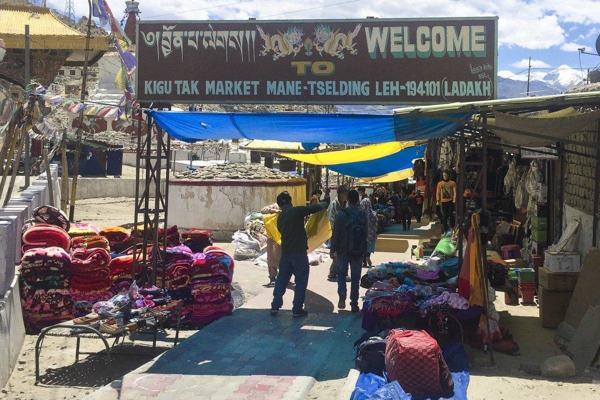 Một khu chợ ở Ladakh, Ấn Độ. Ảnh: SCMP