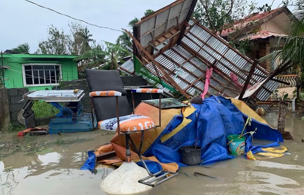 Philippines sơ tán khẩn hàng ngàn dân trước khi siêu bão Goni đổ bộ