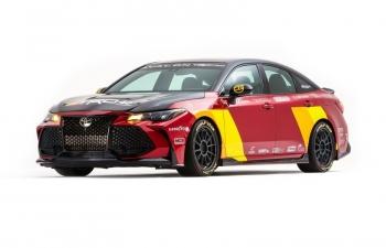 """Toyota Avalon TRD Pro Concept: """"Hô biến"""" sedan thành xe đua"""