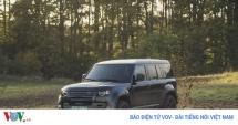 land rover defender 2020 gop mat trong phim james bond