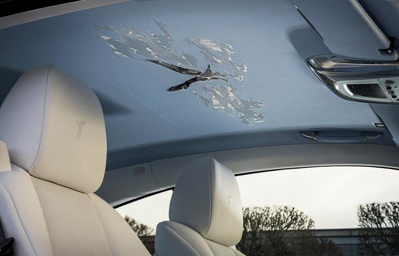 Khám phá Rolls-Royce Wraith với nội thất bầu trời độc đáo