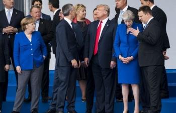 """NATO đang dần """"chết não"""": Tại Trump hay tại Erdogan?"""