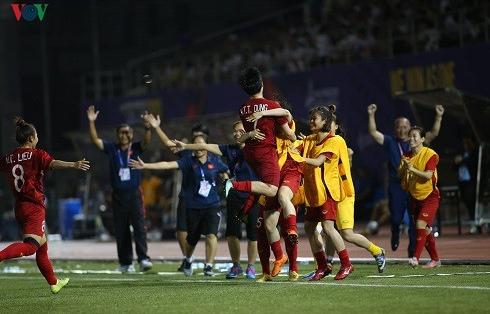 """Vào chung kết SEA Games 30, ĐT nữ Việt Nam nhận """"mưa tiền thưởng"""""""