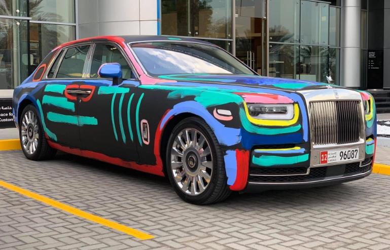 """Rolls-Royce Phantom sơn """"lòe loẹt"""" theo phong cách đường phố"""