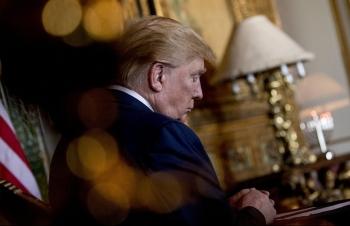 """Thách thức """"kép"""" của Tổng thống Trump trong năm 2020"""