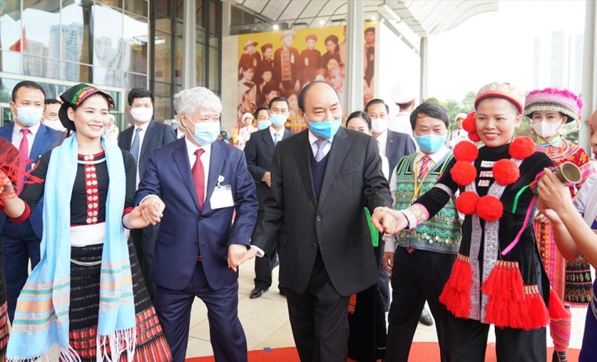 Thủ tướng Chính phủ Nguyễn Xuân Phúc cùng các đại biểu dự Đại hội. Ảnh: VGP/Quang Hiếu.