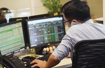 Vi phạm công bố thông tin, doanh nghiệp trên sàn chứng khoán sẽ bị hạn chế gọi vốn