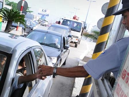 Đề xuất giảm mức thu phí đường bộ đến hết 31/12/2020