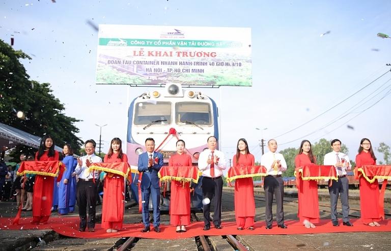 Viettel Post xây dựng dịch vụ tàu container Bắc – Nam dưới 40 giờ
