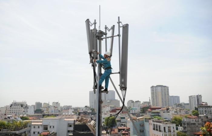"""Viettel đầu tư hàng triệu USD để """"giải phóng"""" thiết bị của 3 mạng treo cột"""