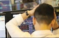 Làm gì khi cổ phiếu trên sàn chứng khoán xuống đáy?