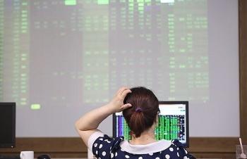 """Đường về """"vùng giá chết"""" của nhiều mã cổ phiếu trên sàn chứng khoán"""