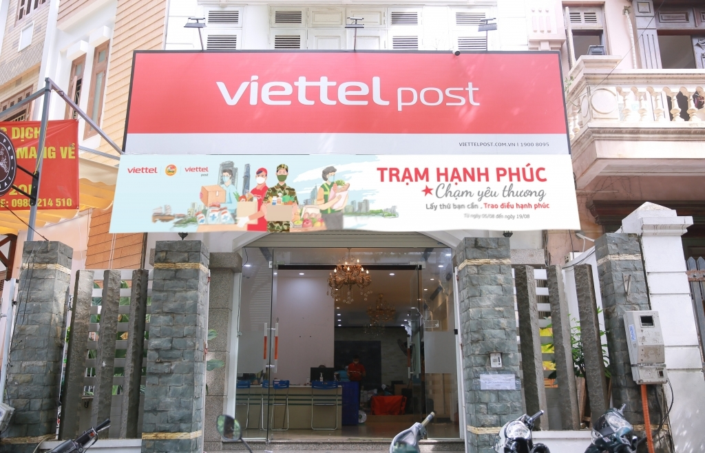 Viettel Post triển khai chương trình hỗ trợ người dân TPHCM
