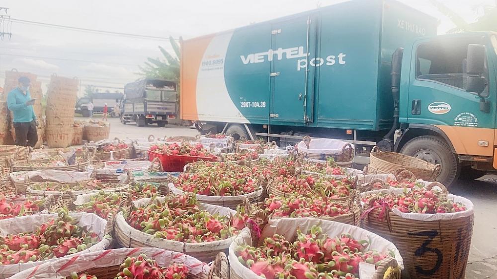 15 tấn hàng của các nhà hảo tâm đã đến với chương trình thiện nguyện của Viettel Post