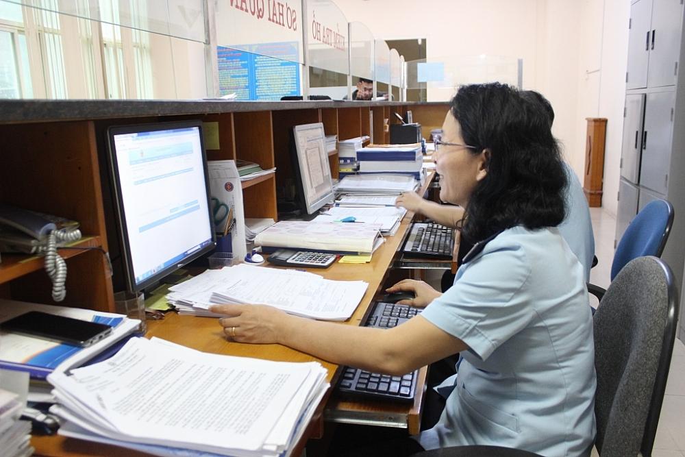Hoạt động nghiệp vụ tại Chi cục Hải quan cửa khẩu quốc tế Thanh Thủy. Ảnh: N.Linh